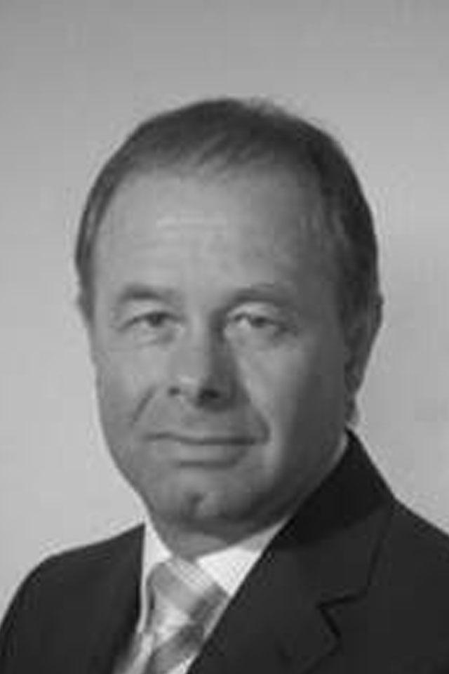 Dr. Ralf Huber